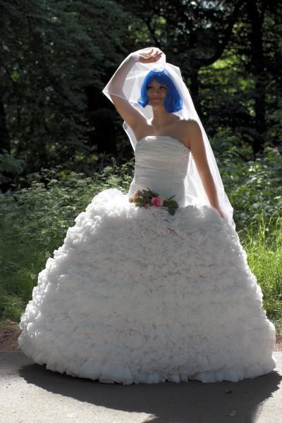 Brautkleid aus Papier